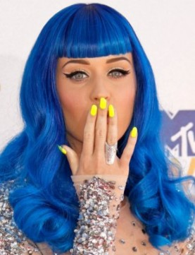 katy perry yellow nails