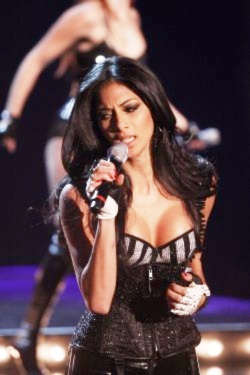nicole scherzinger, press-on nails