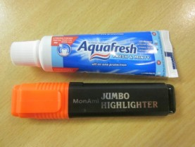 travel-size-aquafresh