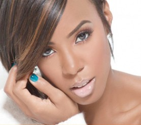 kelly rowland teal nails