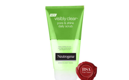 NEUTROGENA® Visibly Clear Pore & Shine Daily Scrub