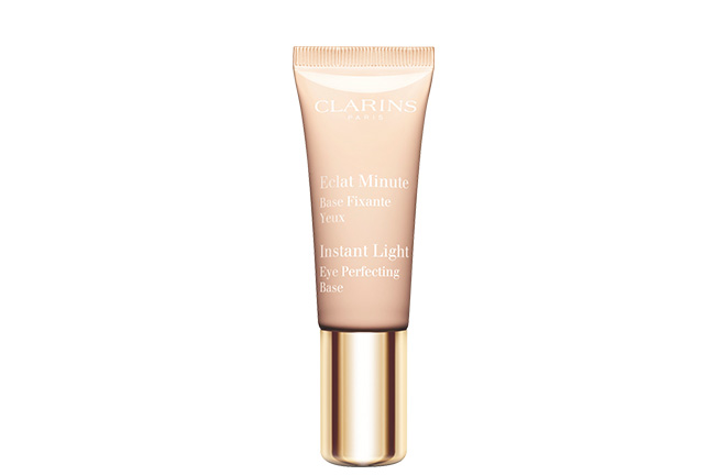 clarins_instant_light_eye_perfecting_base_top_on