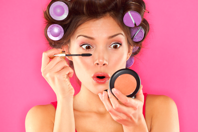 5 WAYS TO CHECK YOUR MAKE-UP ISN'T TOXIC